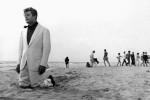 Amanece… Marcello en la playa… con resaca